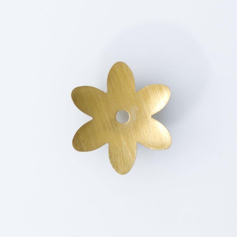 Flor com furo no centro 16,60mmx14,75mm