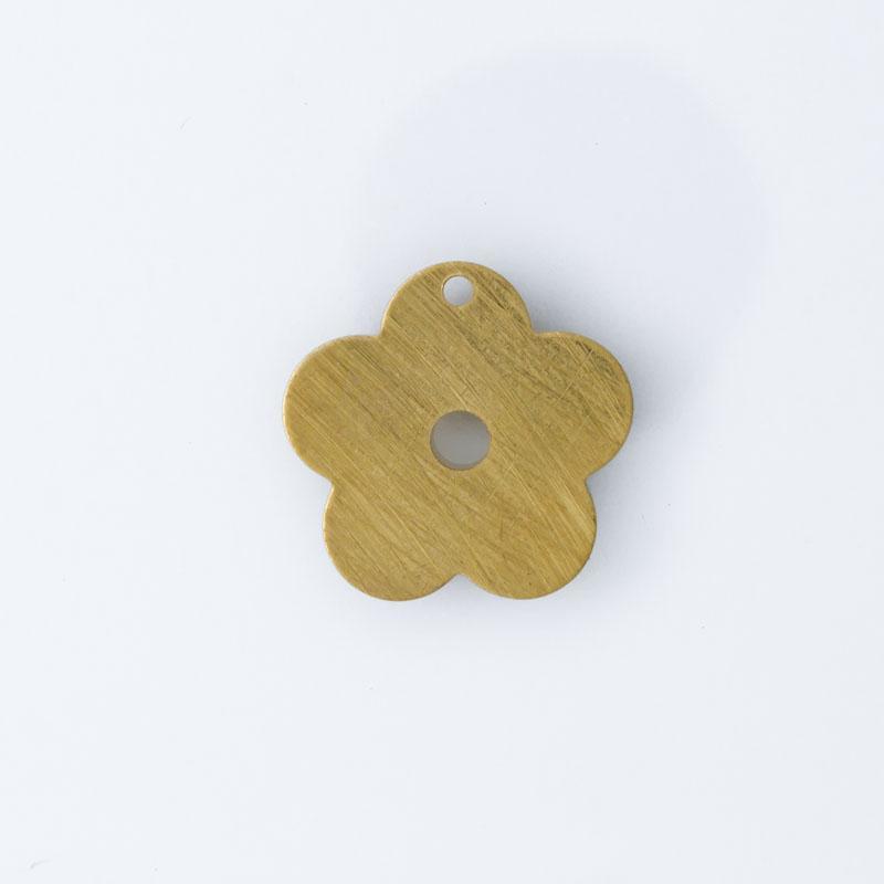 Flor com 2 furos 13,60mmx14,05mm