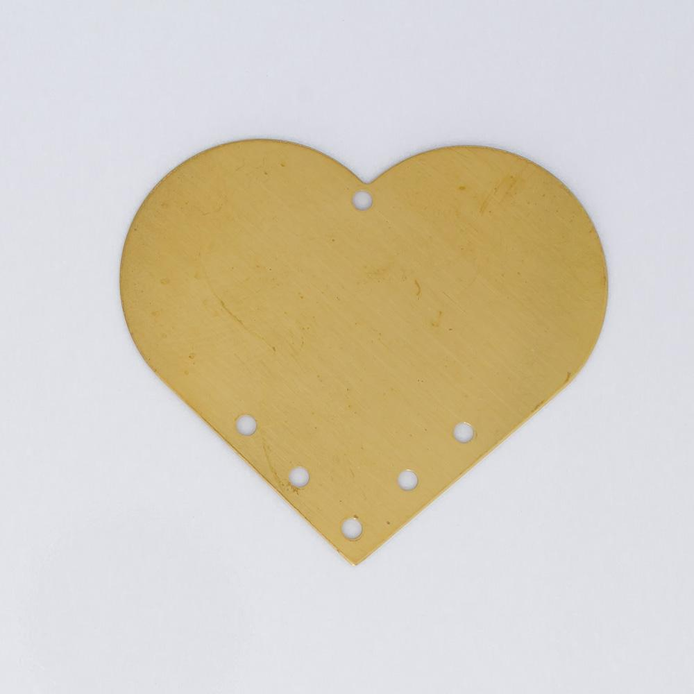 Coração com 6 furos 31,71mmx35,85mm