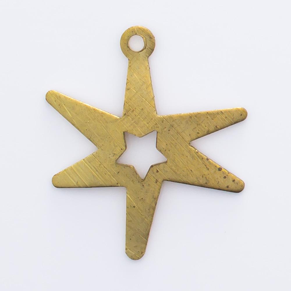 Estrela vazada com  argolinha 17,12mmx14,58mm