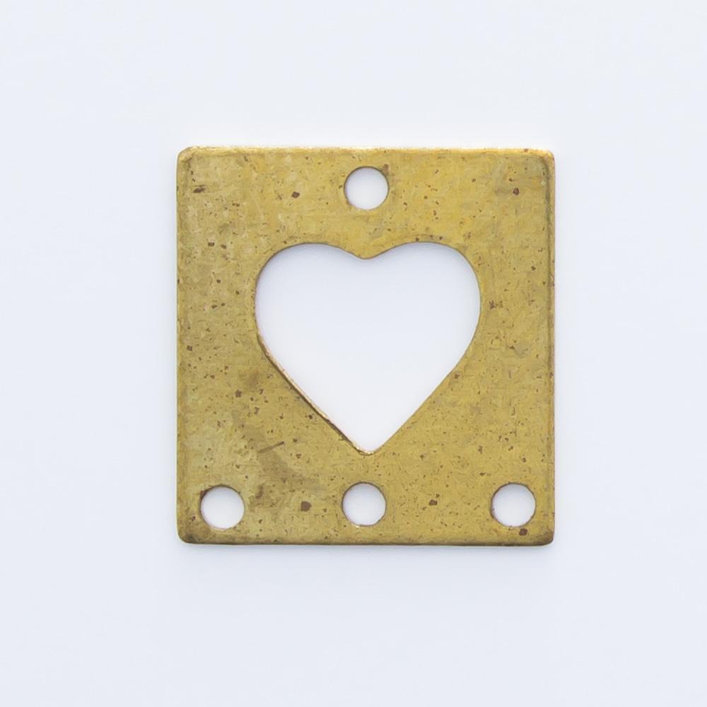 Retângulo com coração vazado e 4 furos 9,64mmx9,06mm