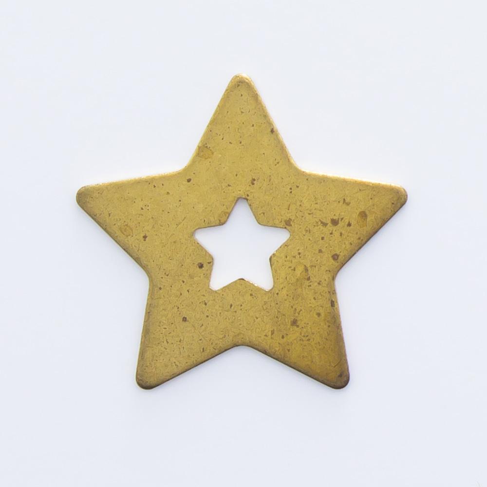 Estrela vazada 10,96mmx11,47mm
