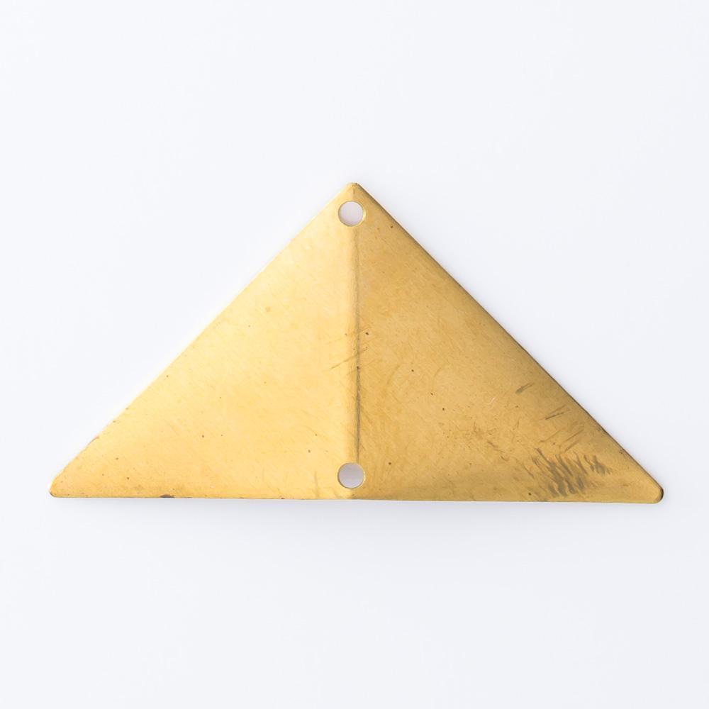 Triângulo abaulado com 2 furos 15,52mmx30,63mm