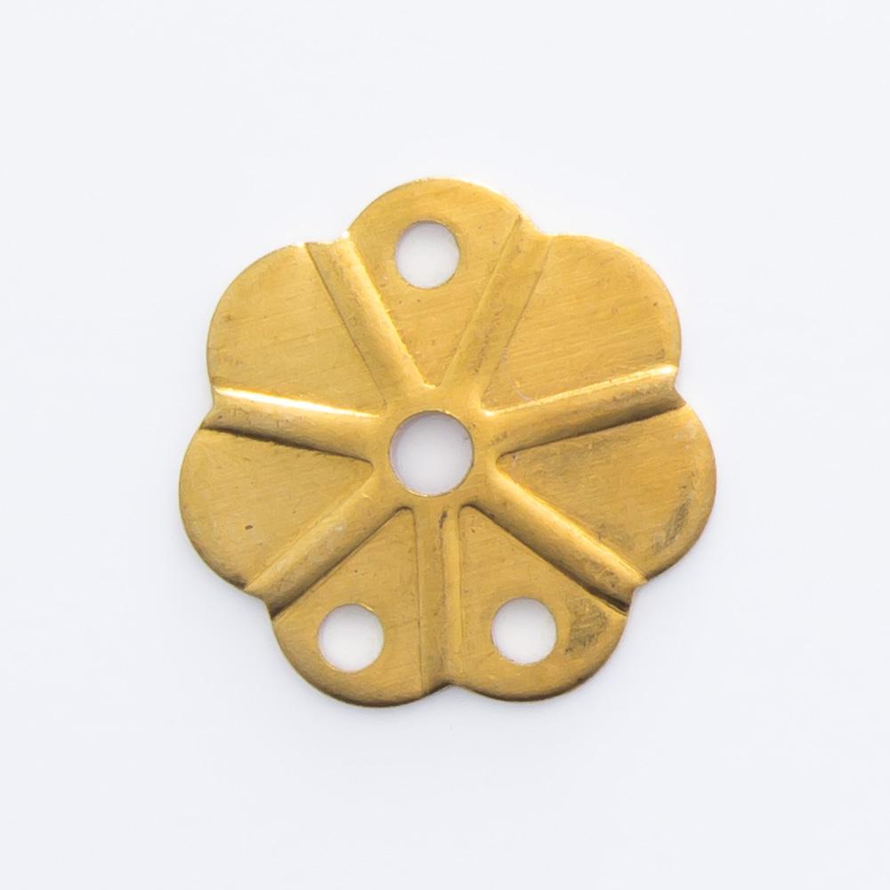 Flor vazada com 3 furos 9,67mmx9,63mm