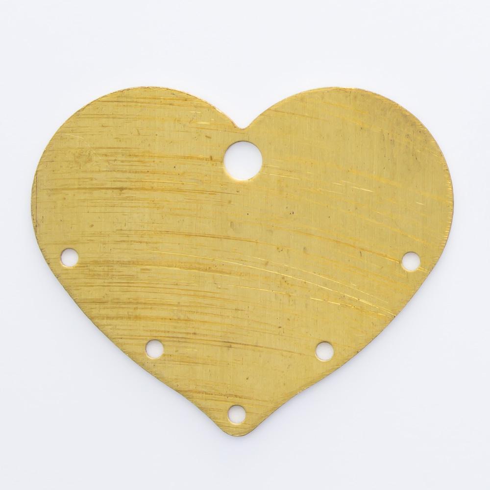 Coração com 6 furos 22,67mmx27,44mm