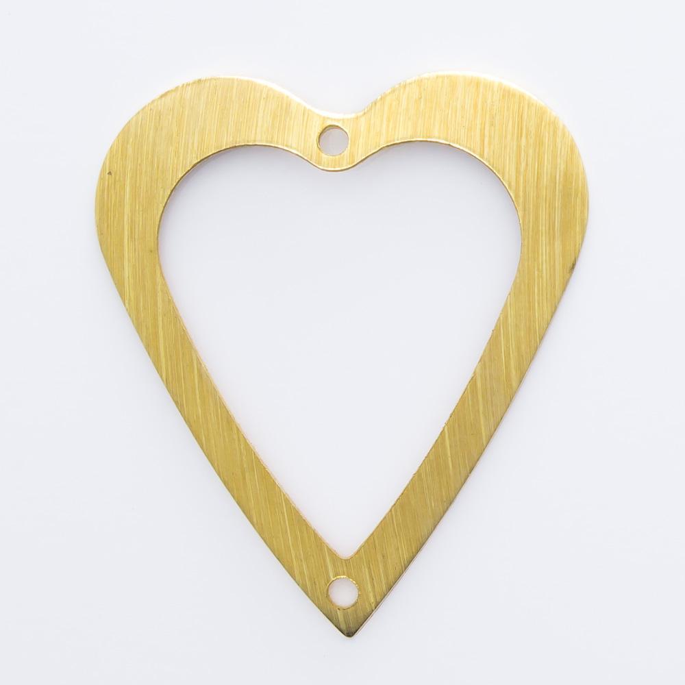 Coração vazado com 2 furos 25,00mmx21,95mm