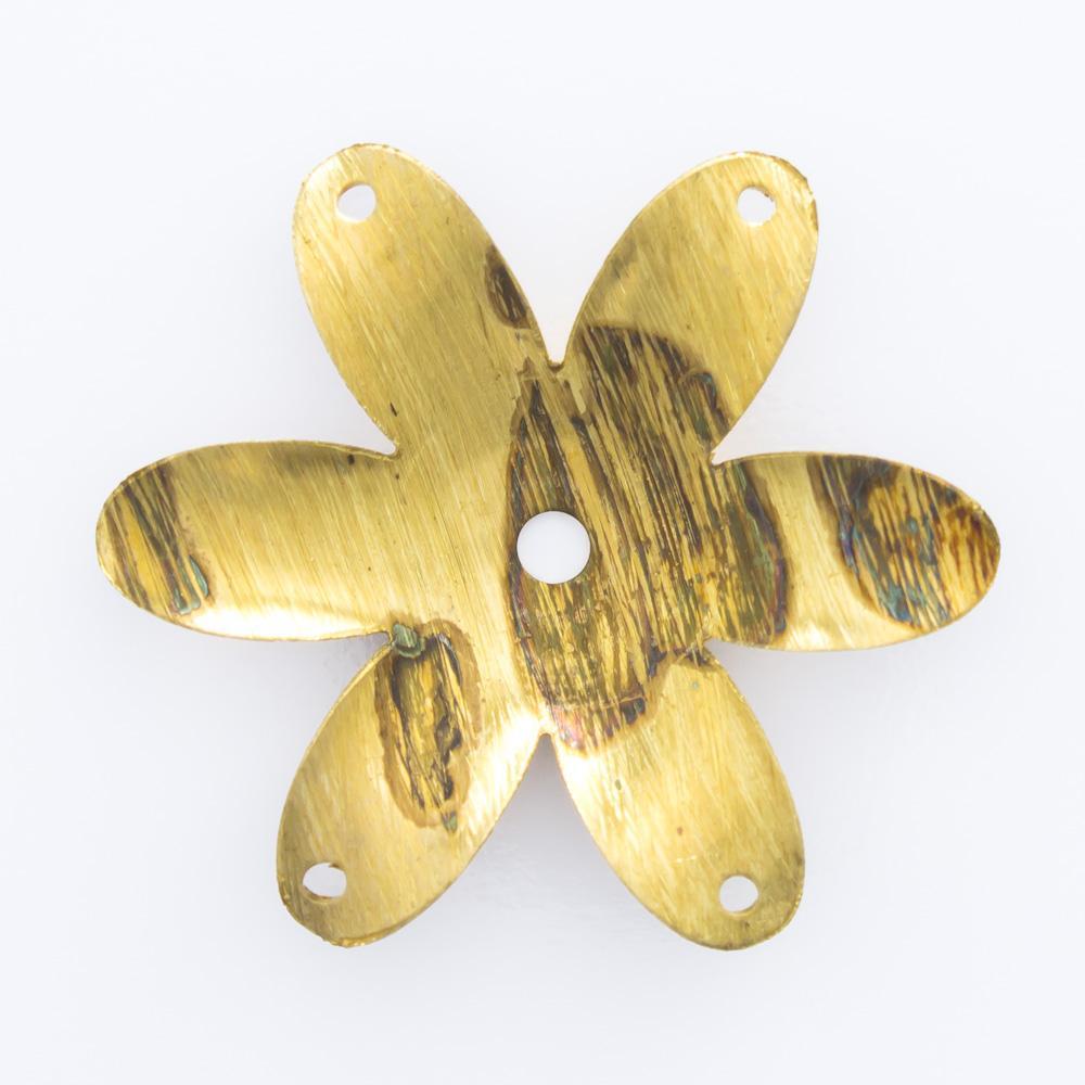 Flor vazada com 4 furos 24,00mmx26,80mm