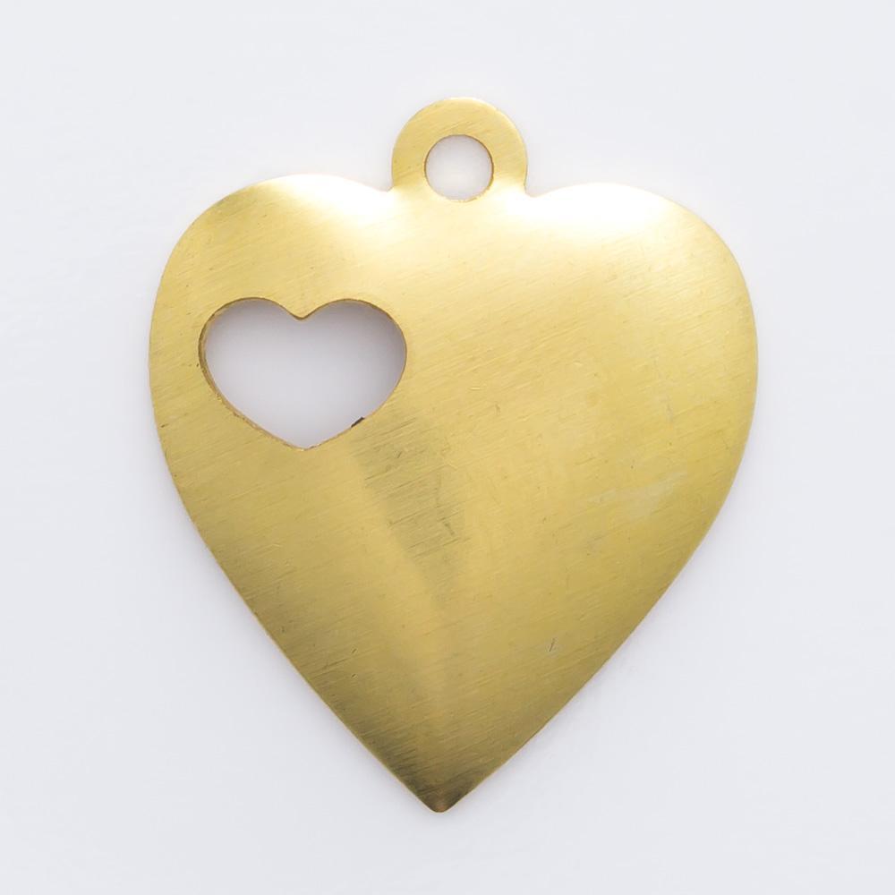 Coração vazado com argolinha 17,00mmx14,50mm